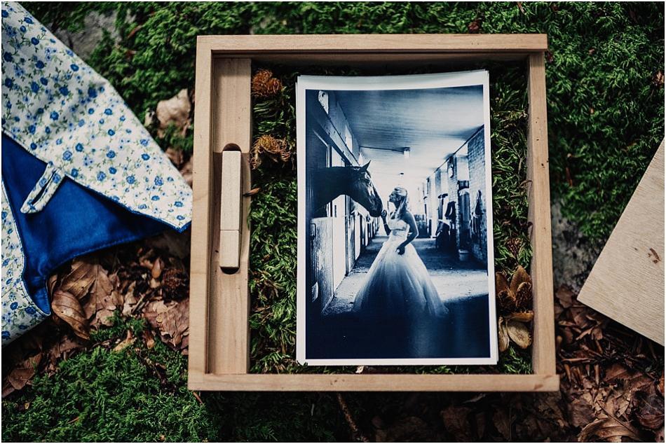 daniele-padovan-fotografo-contenitore-legno-fotografie-matrimonio_011
